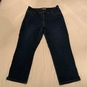 Chico's So Slimming Capri Jeans. Med Wash. size 1